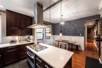 UNHEARD OF 2 BED FOR UNDER $800k ON THE UWS!